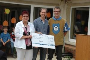 Einweihung Atriumhof Spendenübergabe